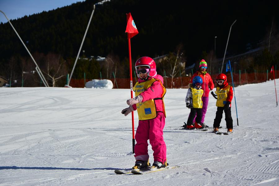 Serveis-Escola-Ski-Parador-Canaro